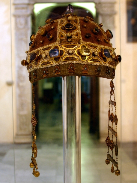 crown_of_constance_of_aragon_-_cathedral_of_palermo_-_italy_2015